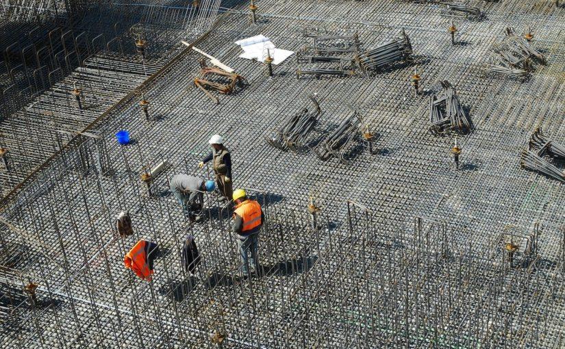 Zgodnie z aktualnymi przepisami świeżo budowane domy muszą być oszczędnościowe.